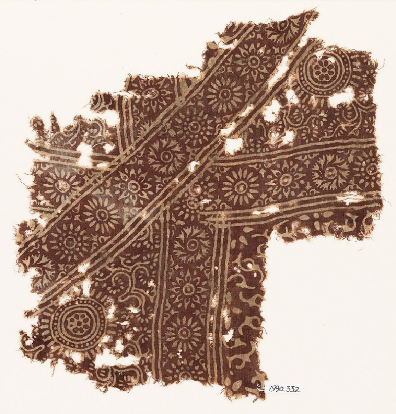 Textile fragment with rosettes and small trefoils