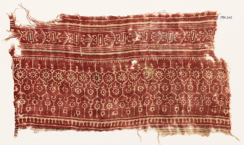 Textile fragment with arches, circles, and rosettes (EA1990.345, front            )