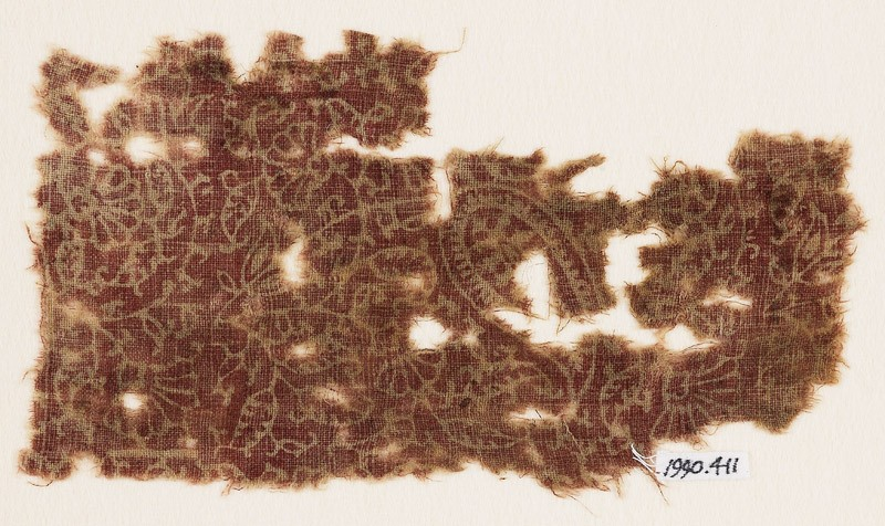 Textile fragment with tendrils, leaves, and flower-heads (EA1990.411, front            )
