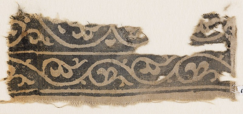 Textile fragment with vine and leaves (EA1990.437, front            )