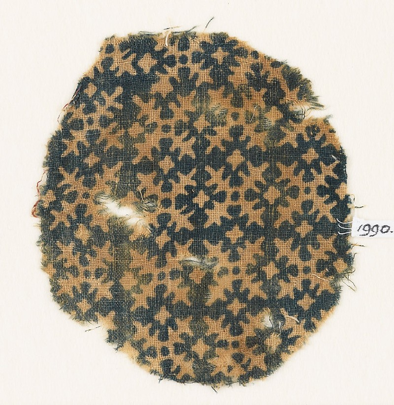 Textile fragment with serrated crosses (EA1990.45, front           )