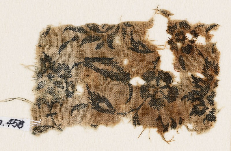 Textile fragment with flowers and leaves (EA1990.458, front            )
