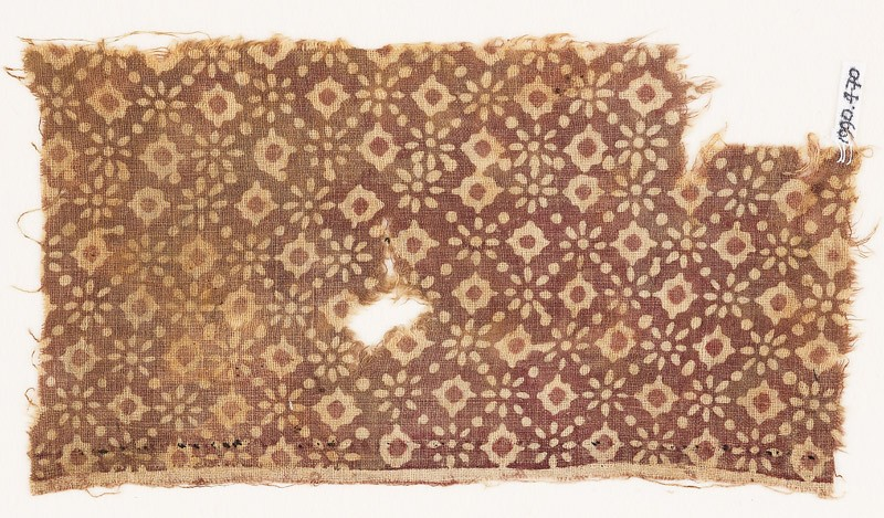 Textile fragment with rosettes and lobed diamond-shapes