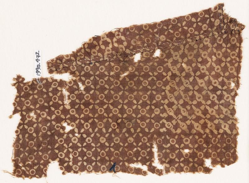 Textile fragment with quatrefoils and circles (EA1990.472, front            )