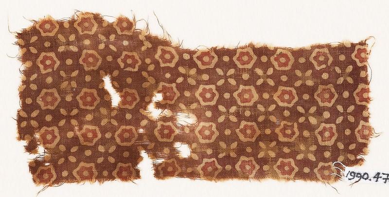 Textile fragment with stars, quatrefoils, and dots (EA1990.473, front            )