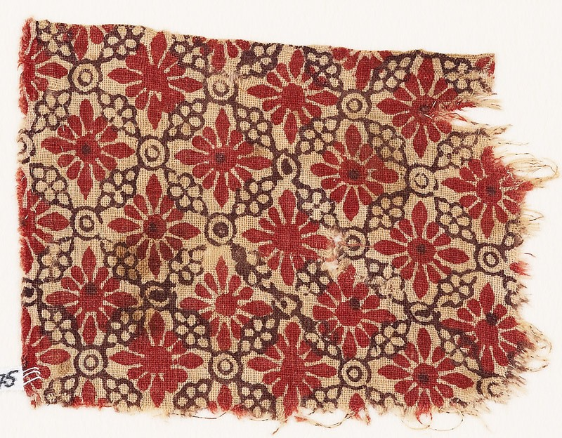 Textile fragment with rosettes, linked circles, and lobed leaves (EA1990.475, front            )