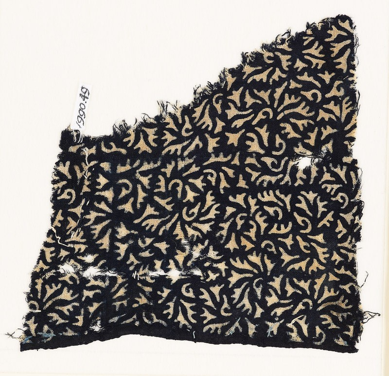 Textile fragment with swirling leaves (EA1990.49, front           )