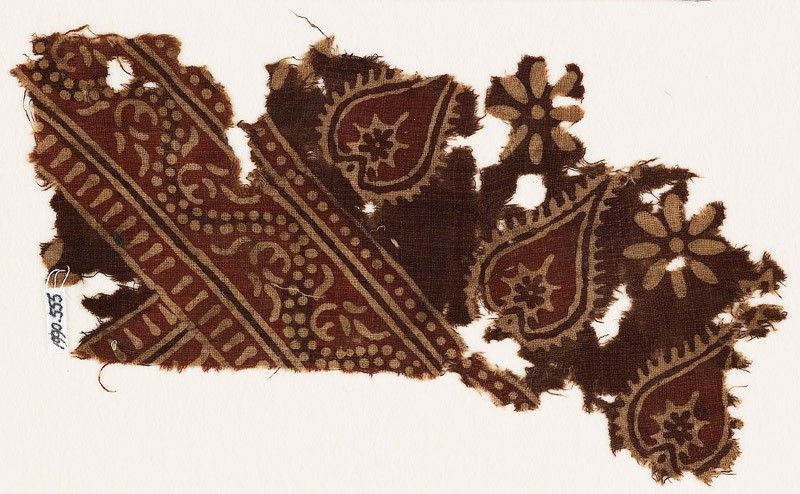 Textile fragment with tear-drops and dotted vine (EA1990.555, front            )