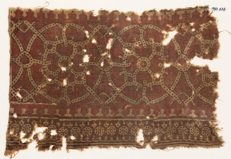 Textile fragment with interlocking circles