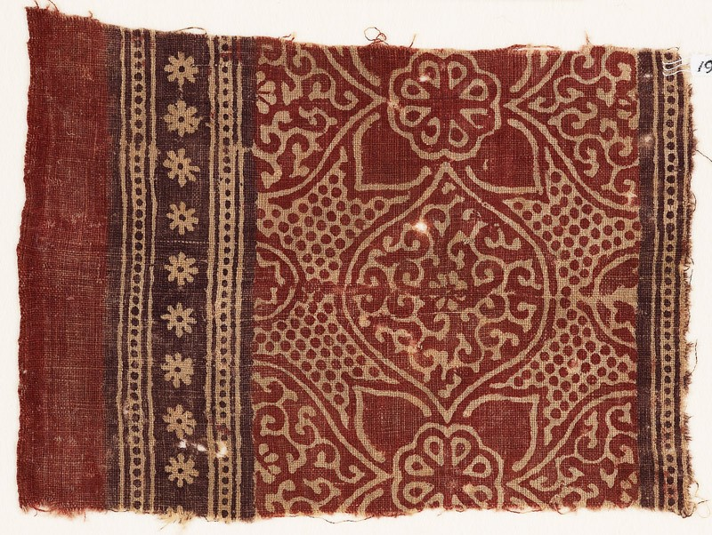 Textile fragment with medallions, tendrils, quatrefoils, and rosettes (EA1990.639, front            )