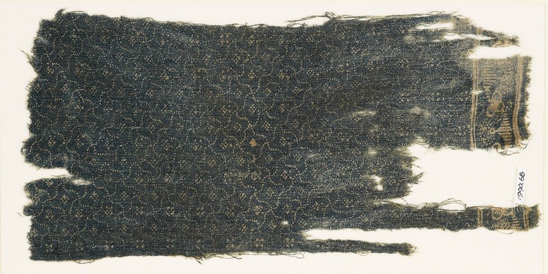 Textile fragment with rosettes and grid of four-pointed shapes (EA1990.68, front           )