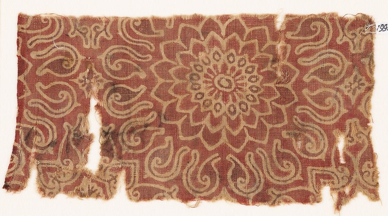 Textile fragment with an elaborate rosette and leaves (EA1990.717, front            )