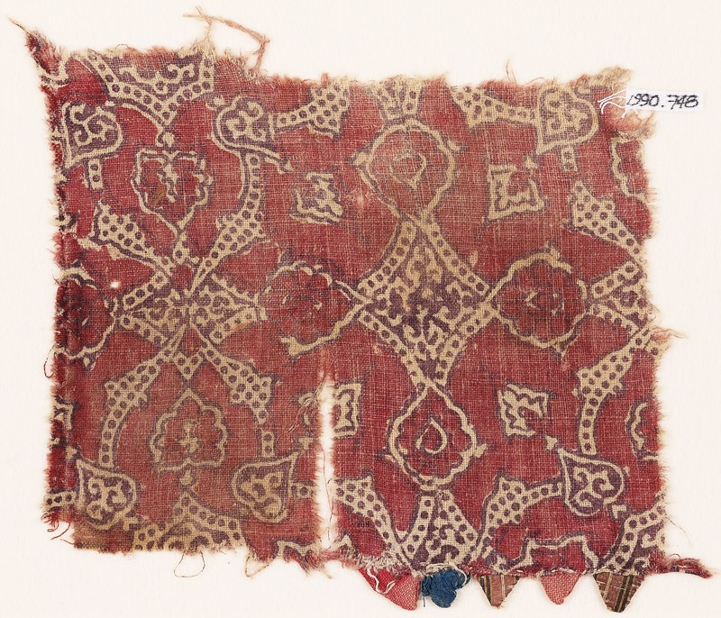 Textile fragment with flowers and dotted tendrils (front            )