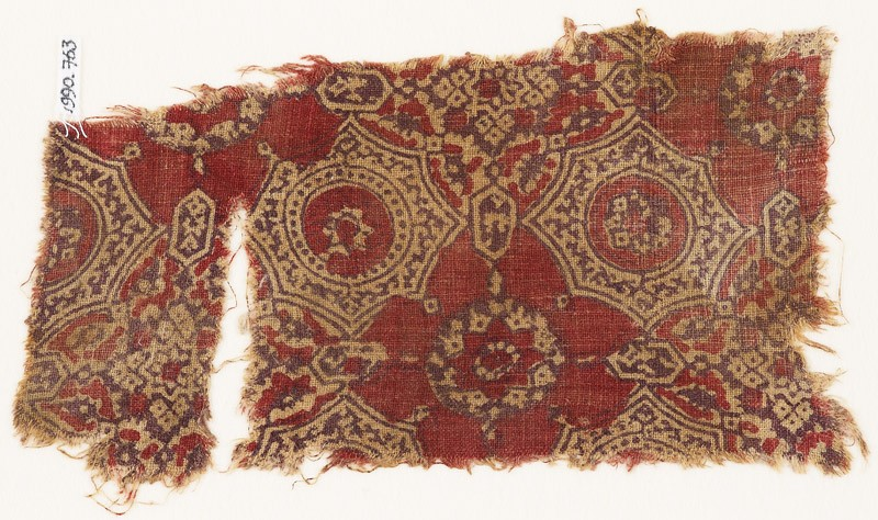 Textile fragment with quatrefoils, flowers, and stars (EA1990.763, front            )