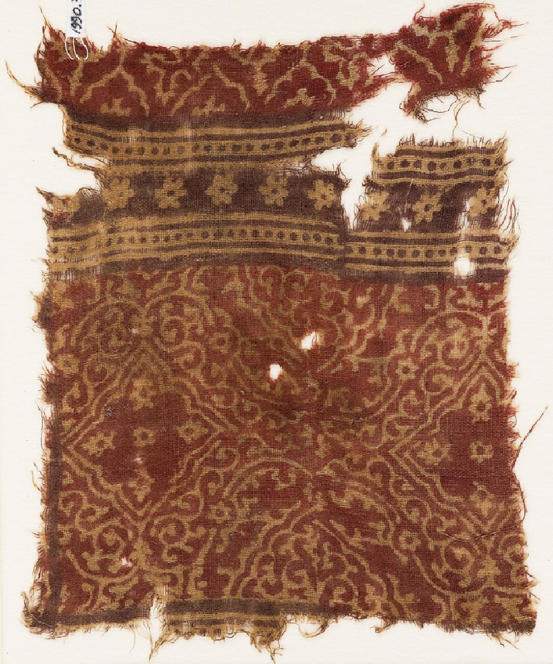 Textile fragment with medallions, quatrefoils, and rosettes (EA1990.792, front            )