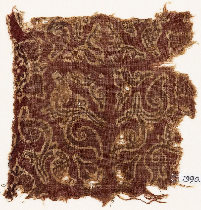 Textile fragment with leaves and quatrefoils (EA1990.843, front            )