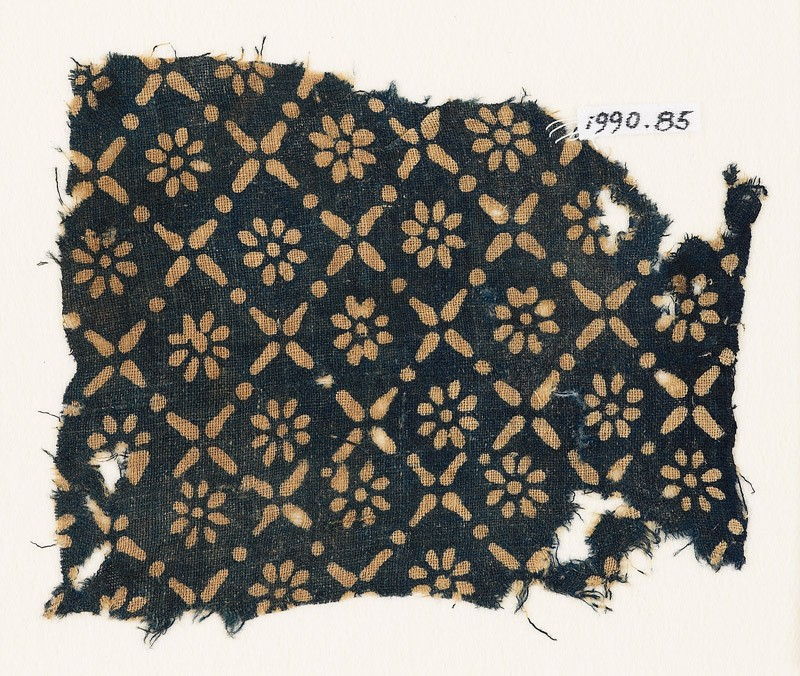 Textile fragment with flowers, dots, and rosettes (EA1990.85, front           )