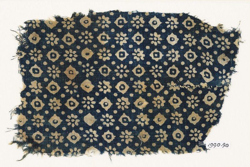Textile fragment with rosettes, dots, and lobed squares (front           )