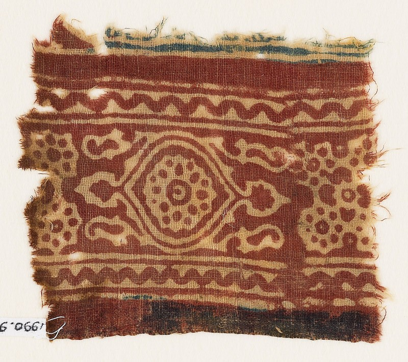 Textile fragment with medallion and linked stars