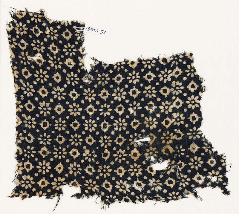 Textile fragment with rosettes, dots, and lobed squares (EA1990.91, front           )