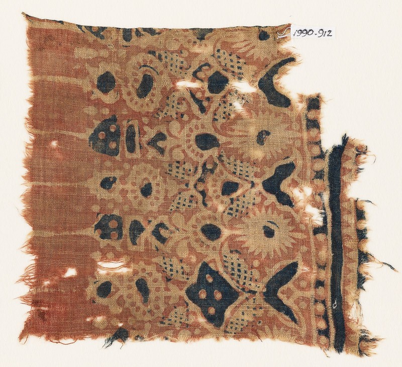 Textile fragment with stylized plants (EA1990.912, front            )