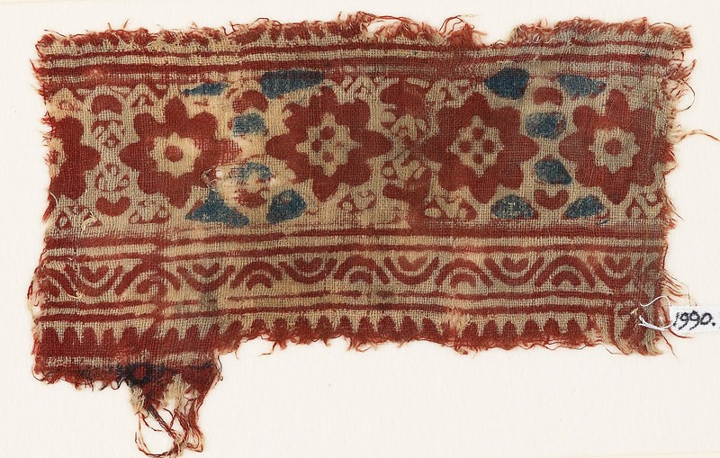 Textile fragment with flower-heads (EA1990.931, front            )