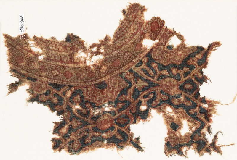 Textile fragment with interlacing tendrils and leaves (EA1990.946, front            )