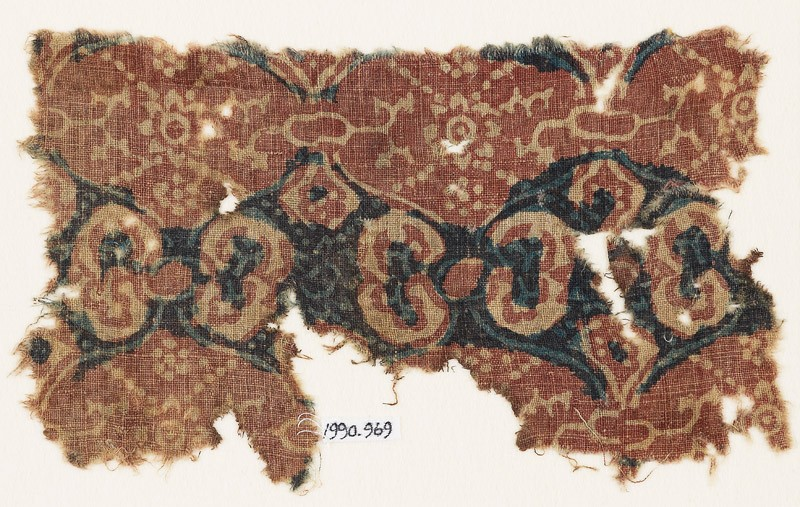 Textile fragment with linked medallions and rosettes (EA1990.969, front            )