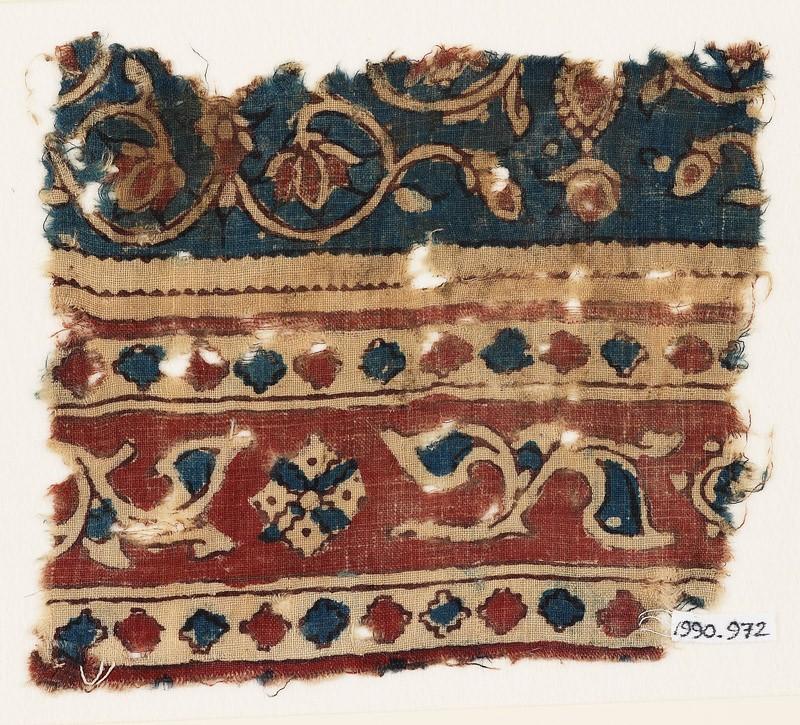 Textile fragment with leaves and quatrefoils (EA1990.972, front            )