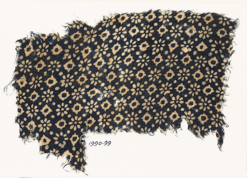 Textile fragment with rosettes, dots, and lobed squares (EA1990.99, front           )