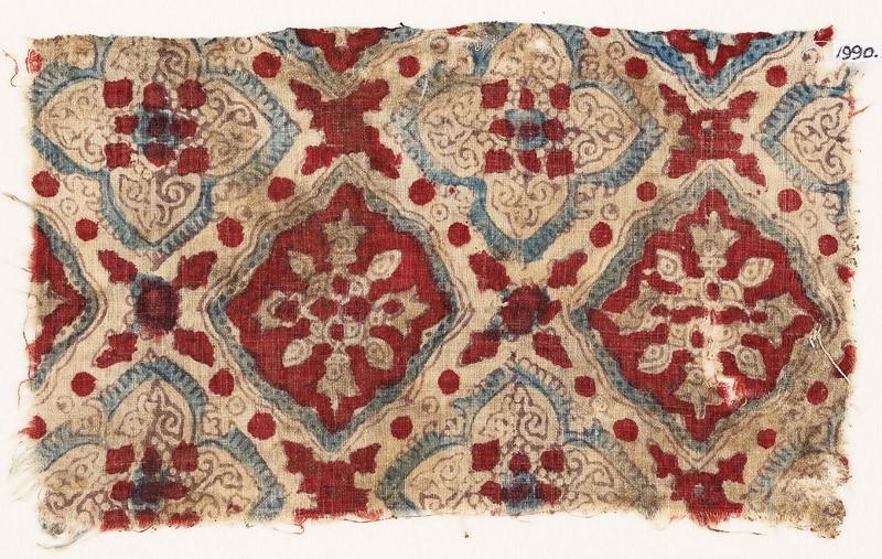 Textile fragment with quatrefoils and squares