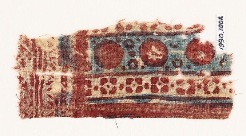 Textile fragment with circles and quatrefoils (EA1990.1008, front             )