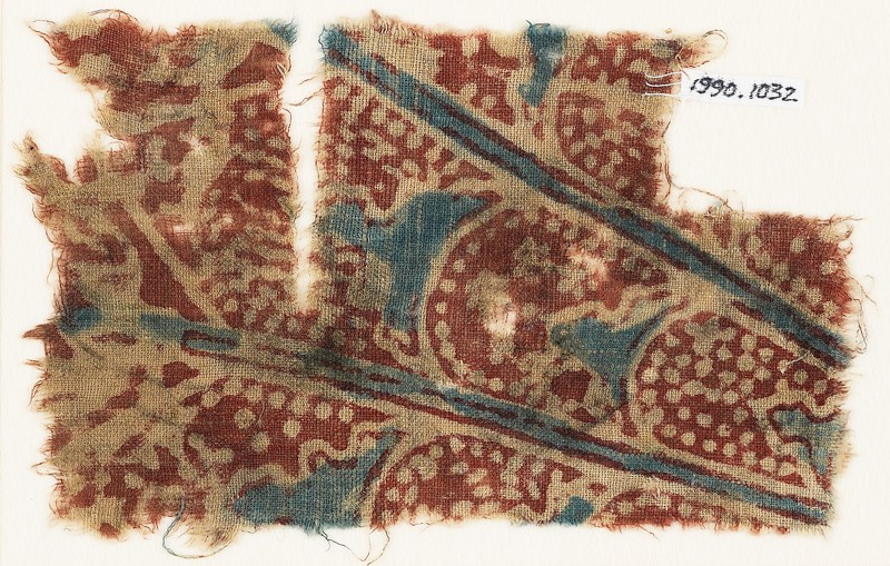 Textile fragment with overlapping petals (EA1990.1032, front             )