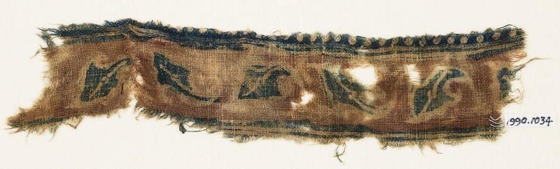 Textile fragment with leaves (front             )