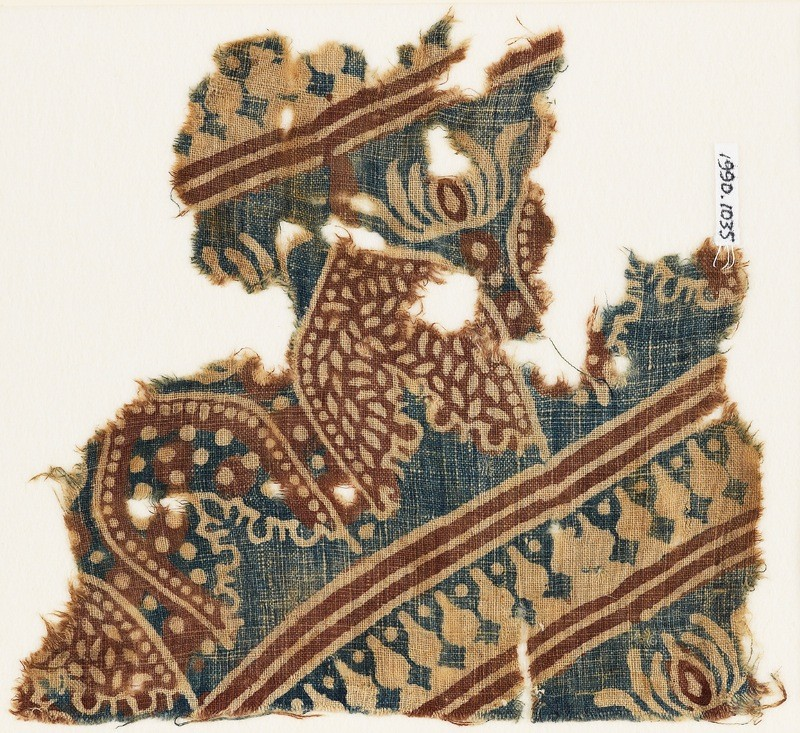 Textile fragment with arches or petals (EA1990.1035, front             )