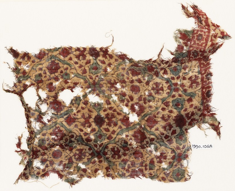 Textile fragment with flowers, leaves, and stars (EA1990.1068, front             )