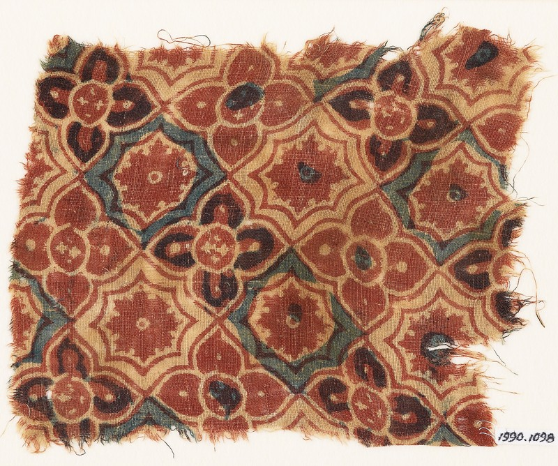 Textile fragment with interlocking quatrefoils, stars, and flowers (front             )