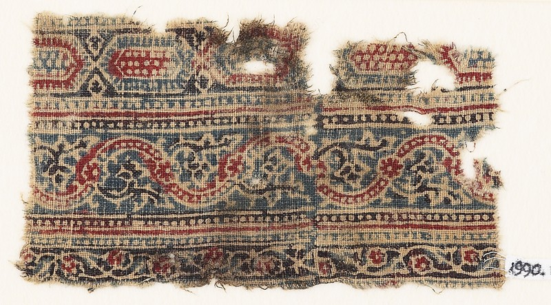 Textile fragment with bands of elongated hexagons and vines (EA1990.1107, front             )