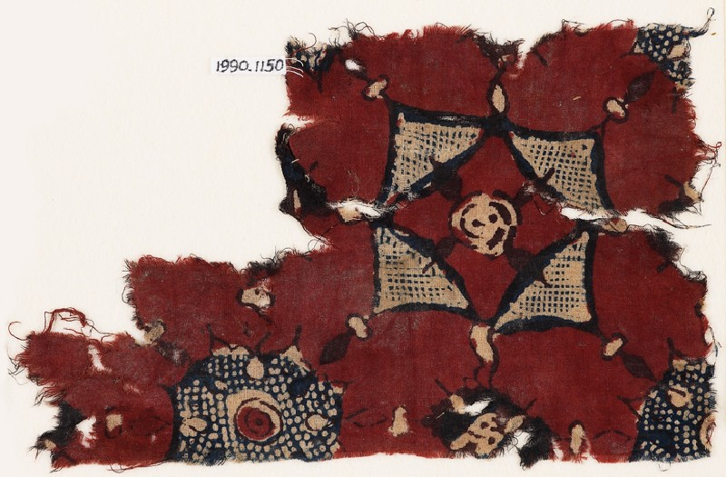 Textile fragment with triangles and circles (front             )