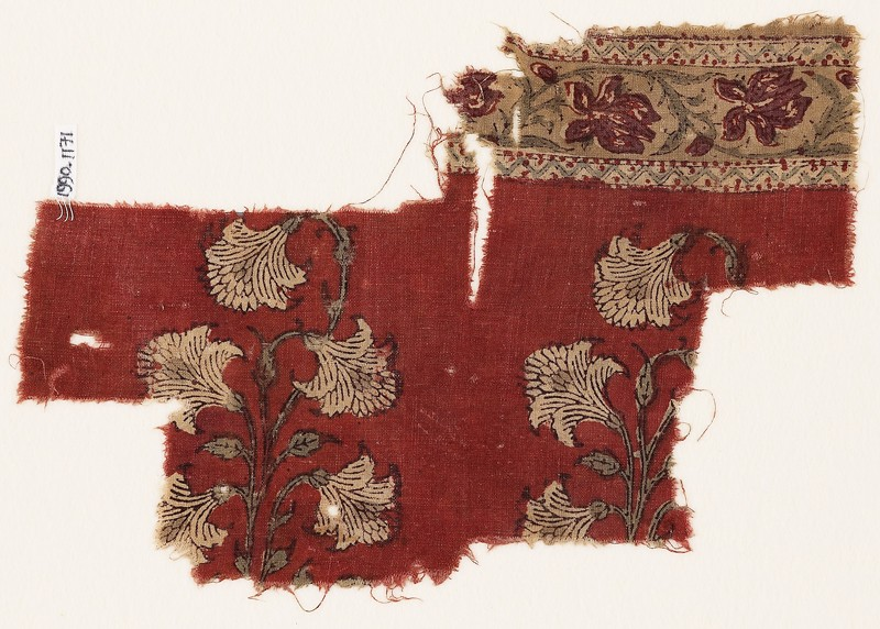 Textile fragment with naturalistic flowers (front             )