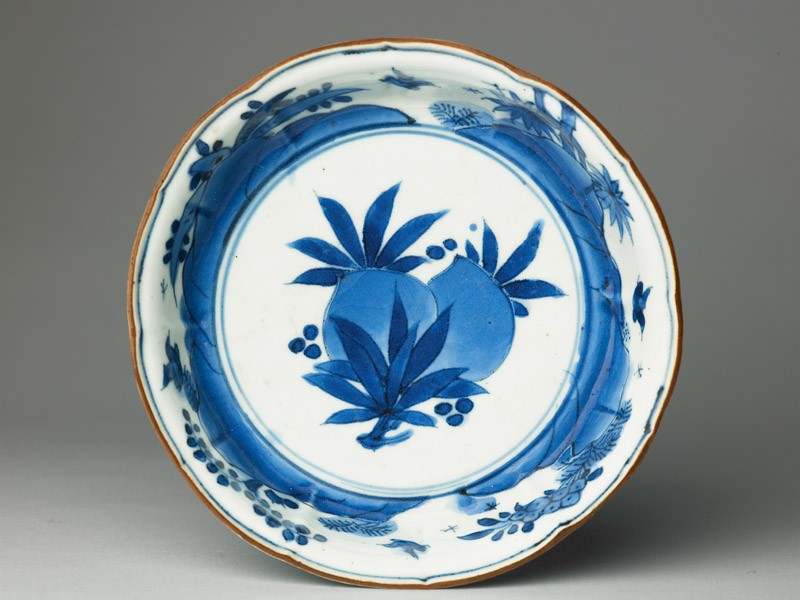 Foliated bowl with flowers and birds