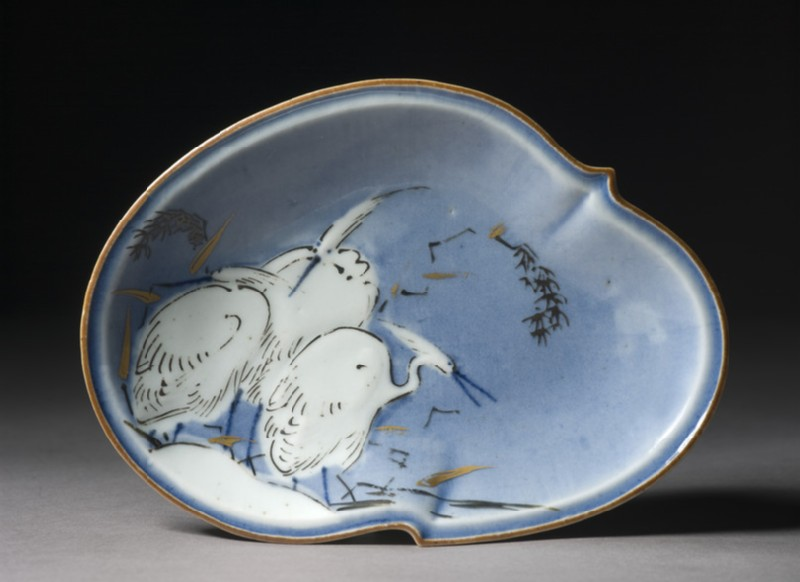Dish with three egrets