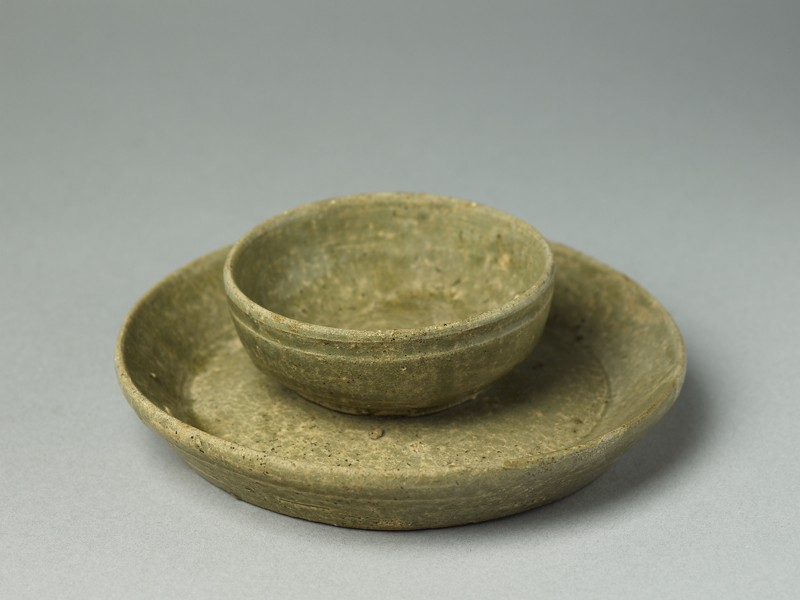 Greenware tray and cup (EA1992.117, oblique            )