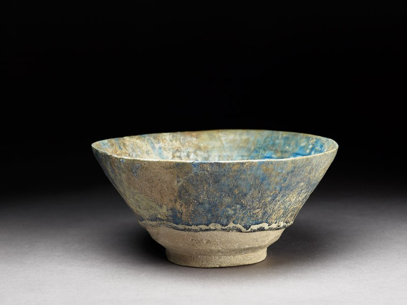 Bowl with light-blue glaze (EA1992.97, oblique           )