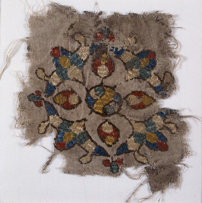 Textile fragment with cruciform palmette (front            )