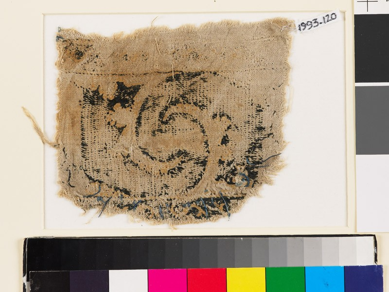 Textile fragment with curved leaves