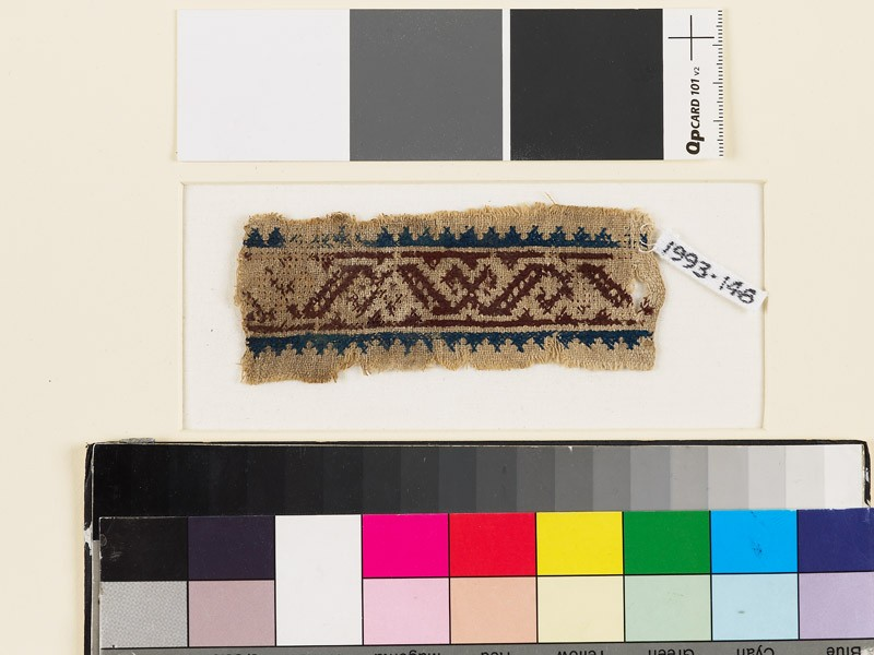 Textile fragment with S-shapes and Z-shapes (front            )