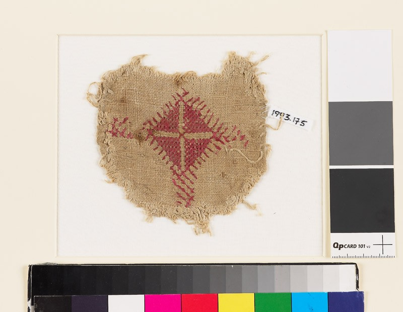Textile fragment with diamond-shape