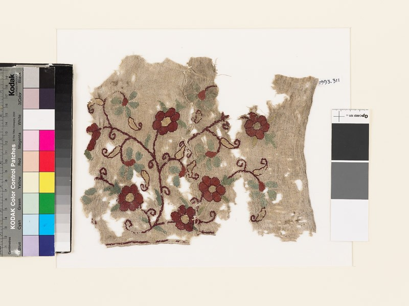Textile fragment with floral spray (front            )
