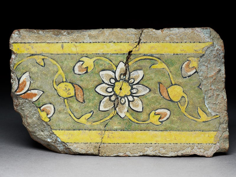 Border tile from the tomb of Madin Sahib with floral meander design (EA1994.96, front           )